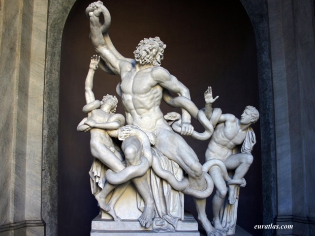 a comparison of laocoon and his two sons by hagesandros polydoros and athenodoros and fall of the da