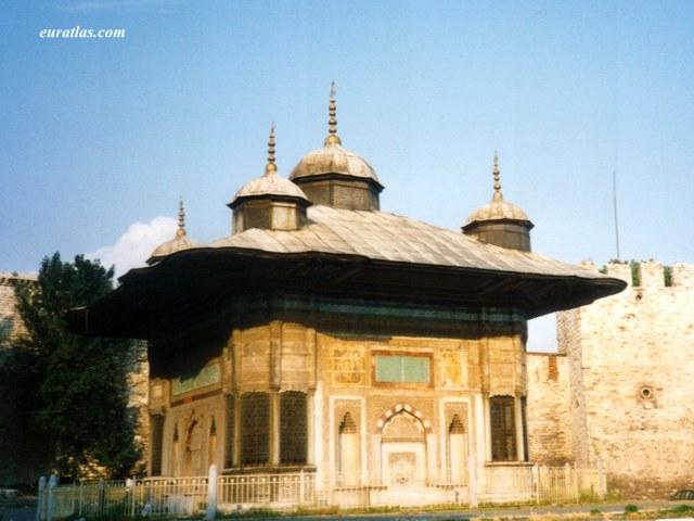 Photos of Turkey, Istanbul: The Sultan Ahmet III. Fountain ...