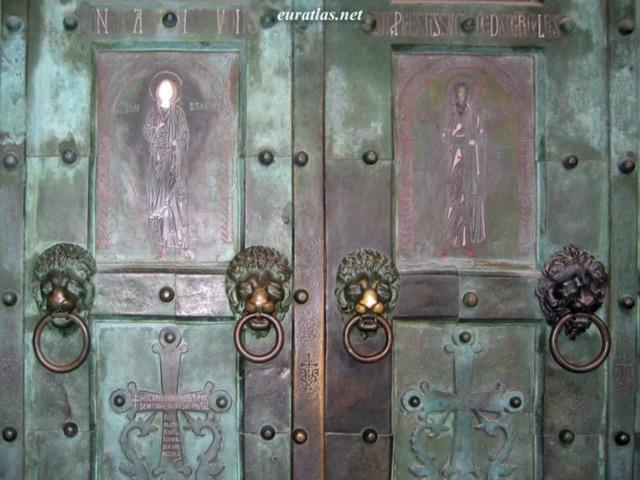Eleventh Century Pictures: 1066, bronze doors of the ...
