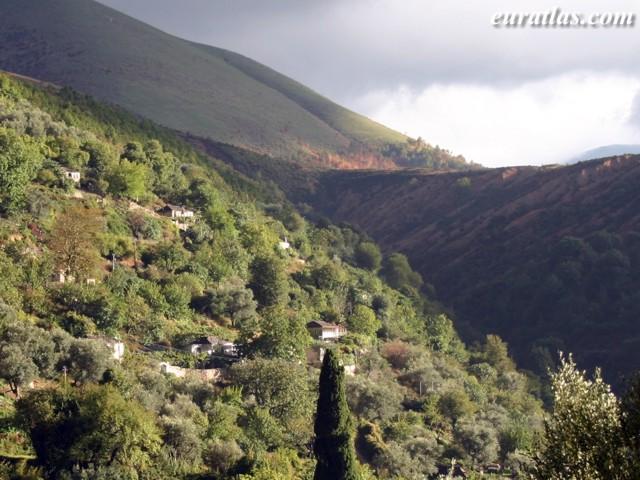 Cliquez ici pour télécharger A Village in the Mountain